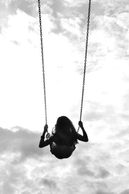 I love going that high on swings....I miss my childhood... so free n careless n tension less