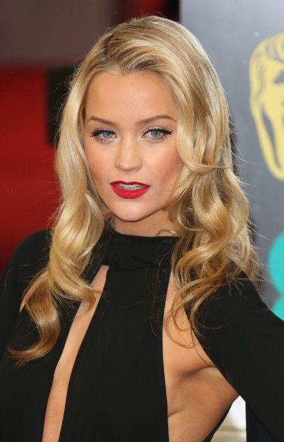 Laura Whitmore Bra Size, Age, Weight, Height, Measurements - http://www.celebritysizes.com/laura-whitmore-bra-size-age-weight-height-measurements/