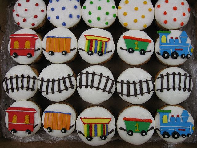 Train cupcakes by hainesbarksdale, via Flickr