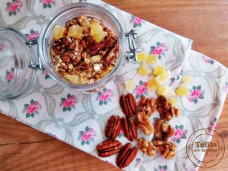 granola de nozes e ananás