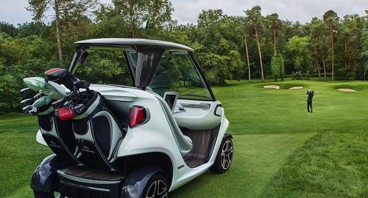 Era natural tener un #MercedesBenz en la cancha de golf