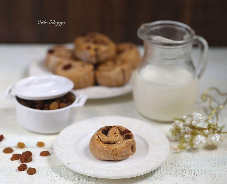 Полезные булочки с корицей и изюмом на закваске | Рецепты правильного питания - Эстер Слезингер