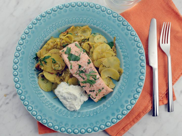 Laxtagine med fänkål och citronyoghurt | Recept från Köket.se