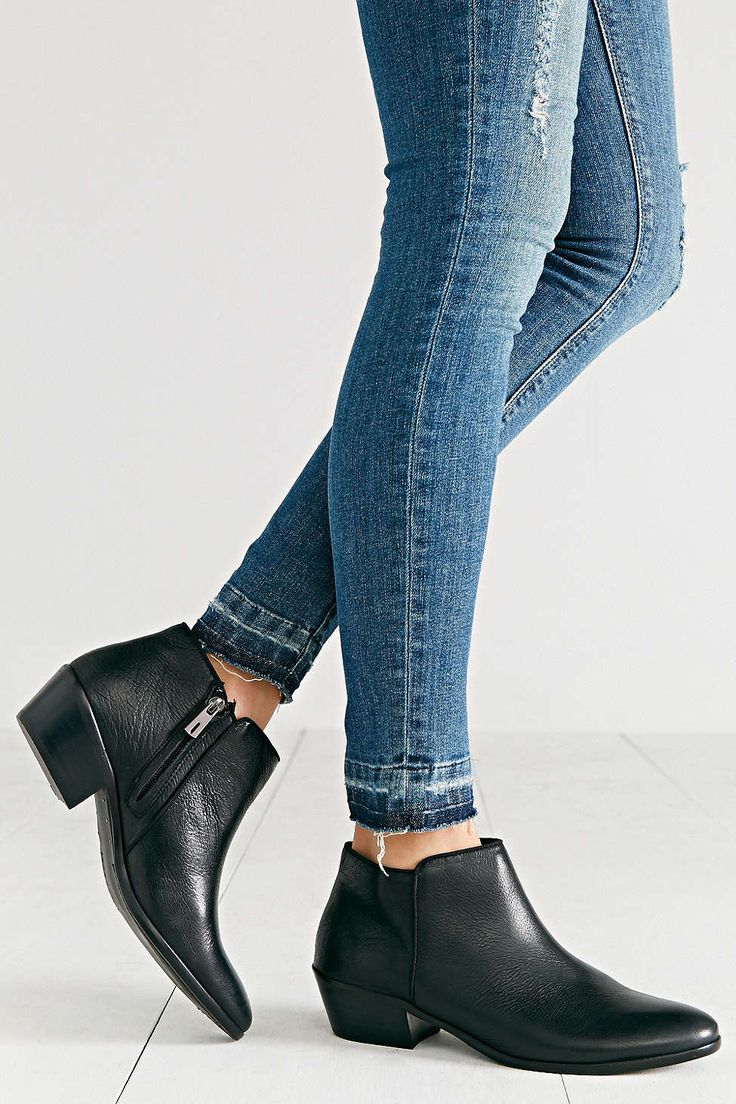 131 best shoes images on pinterest shoes flat sandals and