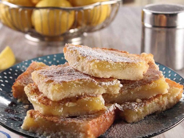 Carrés au citron facile avec thermomix. Voici un délicieux gâteau des Carrés au citron, facile et simple a préparer à l'aide de votre thermomix.
