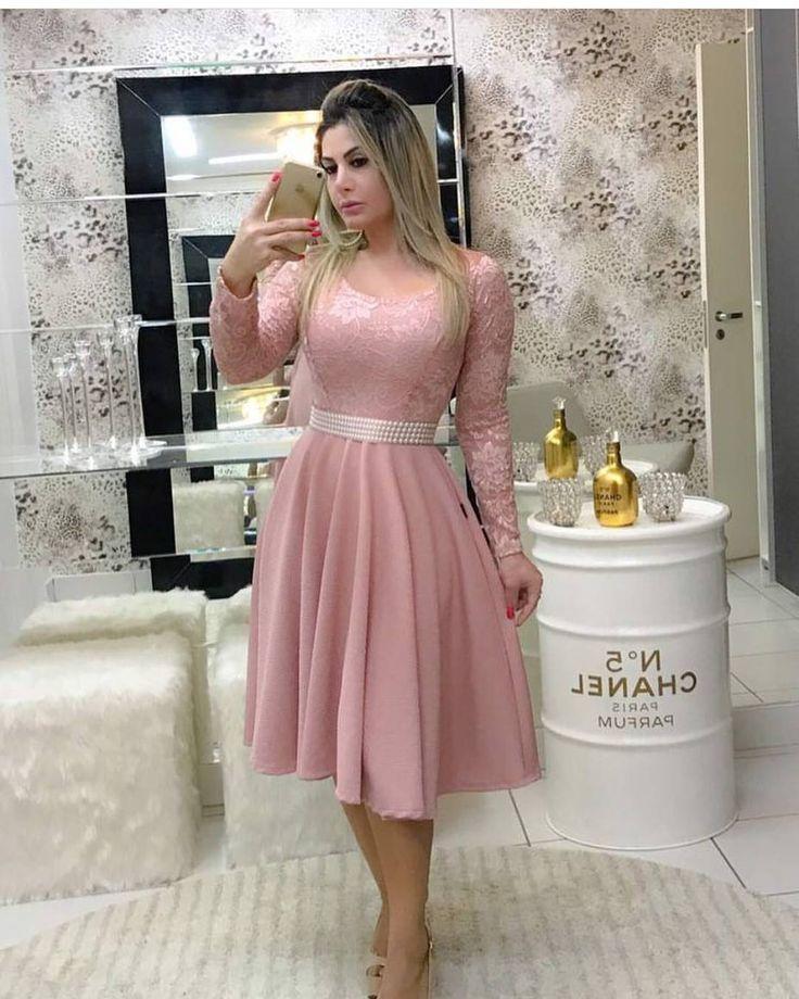 """1,476 Likes, 27 Comments - Moda para elas 10k  (@look_evangelica) on Instagram: """"Amei este vestido. Esta cor é super linda! {Look inspiração} Crédito na imagem. . . . . Siga!!…"""""""