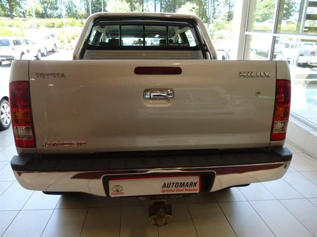 Your Essential Bakkie Choice! Purchase our 2009 #Toyota #Hilux 3.0 D-4D Raider Double Cab. This Bakkie is Silver in colour & a Mighty 3.0 Diesel Engine. Manual Transmission, Mileage of 124 000Kms, Priced R249 990. Extras: Climate Control Multi-function Steering Wheel Radio/CD Electric Mirrors Electric Windows - Front & Back Differential Lock Leather Trim Contact Keith Rabilal Now on 082 323 1303 / 031 737 1500 or Email keithr@smg.co.za