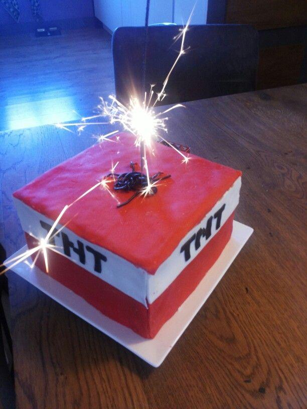 Minecraft taart voor 9e verjaardag van mijn zoon. Best goed gelukt al zeg ik het zelf :-)