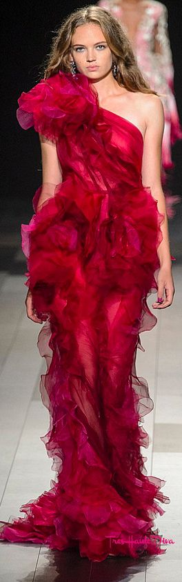 #Marchesa Spring 2018 RTW #NYFW #NYFWss18 red ruffled evening own
