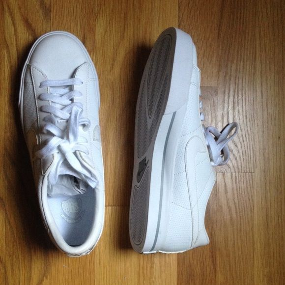 Nike Shoes Never worn, all white nike shoes Nike Shoes Sneakers