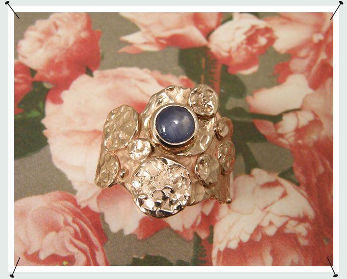 oogst collectie: ring roodgoud met ster saffier