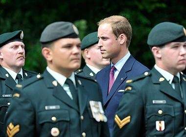 Prince William inspects a Canadian Forces guard of honour