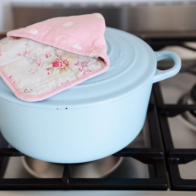 WEBSTA @ yvestown - Hurry, hurry there is another Le Creuset sale going on over @westwingnl I've also blogged about it if you want to see/read what I've bought....#westwingnl #lecreuset #yvestownblog