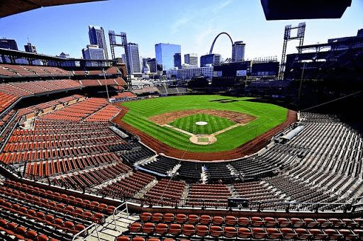 """If you are a St Louis Cardinals fan, then this is the app for you. Stay connected with everything """"Cardinals""""<p>""""As a sports fan this app has everything I want""""<p>This app includes all the latest links to:<br>News<br>Websites<br>Scores<br>Standings<br>Twitter<br>Facebook<p>Note: All websites open with browsers external to the app, and remain the property of the owner. This application is not endorsed by Major League Baseball or its affiliates.<p>DISCLAIMER: This is an unofficial fan-made…"""