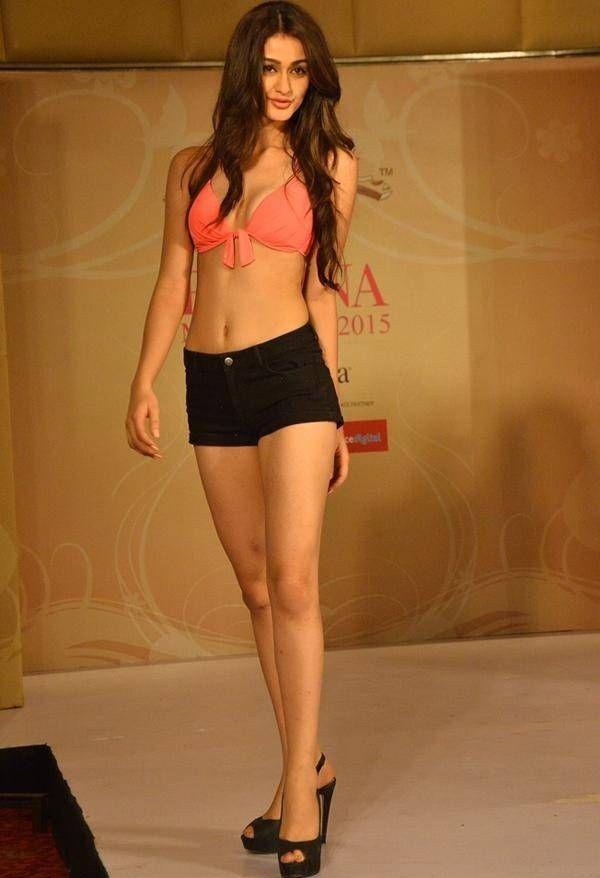 Aditi Arya Height, Weight, Bra Size Measurements
