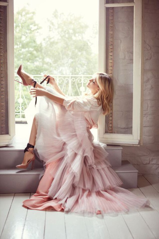 Kate Hudson Stars as a High Fashion Ballerina for Jimmy Choo's Fall 2015 Campaign—See the Pics!  Kate Hudson for Jimmy Choo