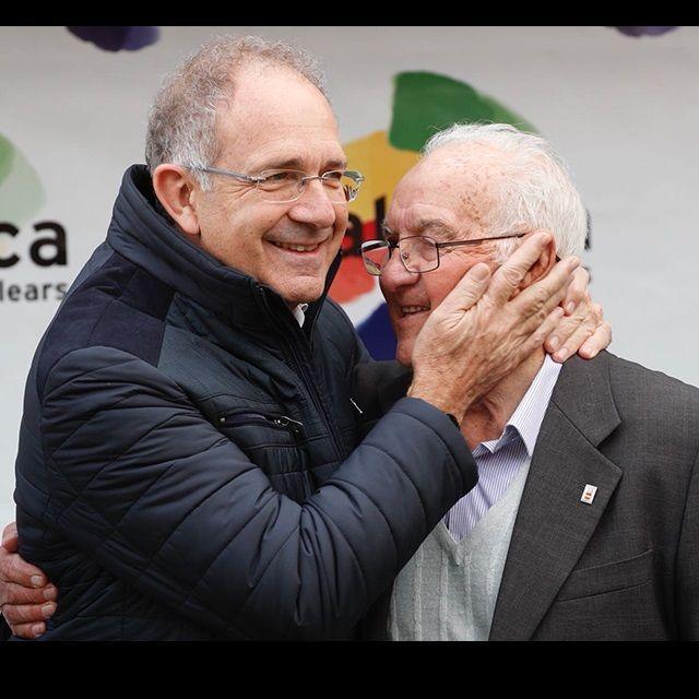 Joan Serra, ex presidente de la Real Federación Española de Ciclismo, ha sido distinguido con la insignia olímpica del Comité Olímpico Español por su destacada contribución y dedicación al desarrollo del ciclismo en España.   #COE #JoanSerra #rfec