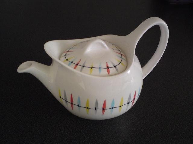 Midwinter Cherokee Tea Pot by Toadstools_, via Flickr