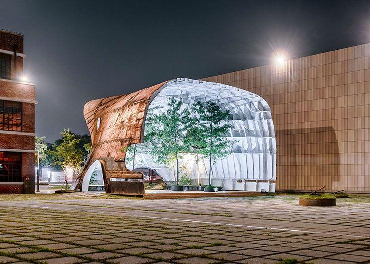 Sul-coreanos transformam navio enferrujado em jardim