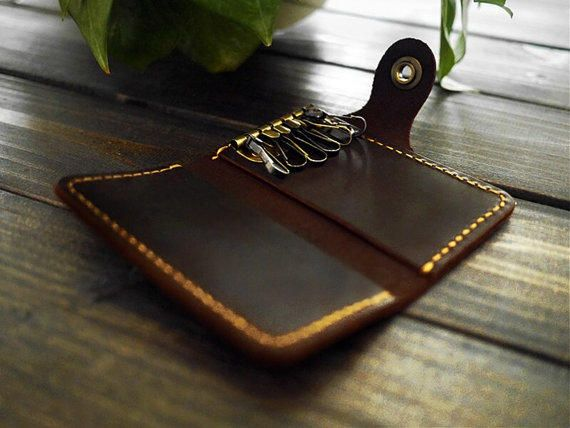 Manfaat Dompet Gantungan Kunci kendaraan dari Kulit