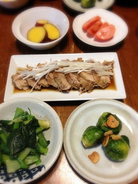 芽キャベツ初めて料理した! - 10件のもぐもぐ - 煮豚、小松菜ごまみそあえ、芽キャベツガーリック炒め、さつまいもレモン煮 by raku0dar