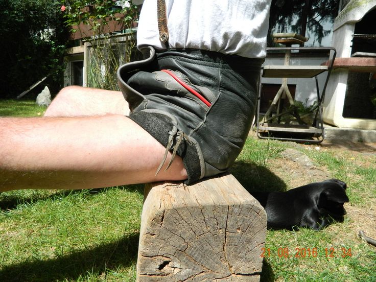 Kurze-Lederhose-kurz-Getragen-Pfadfinder-Trachtenlederhose-_57.jpg (1600×1200)