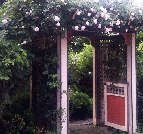 Garden gate ideas 10 handpicked ideas to discover in other for Garden gate arbors designs