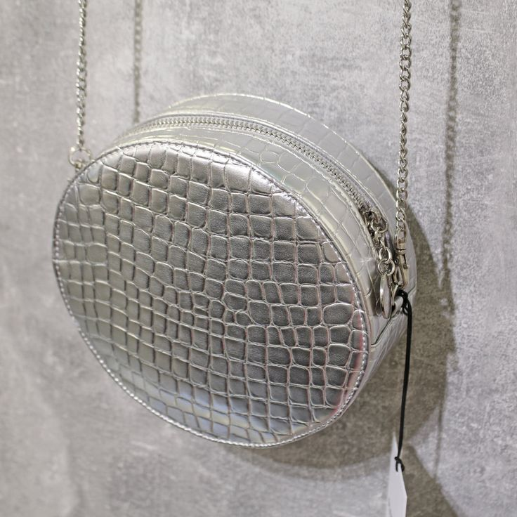 Glamorous Metallic Silver Small Round Croc Pu Bag With Long Silver Chain Strap