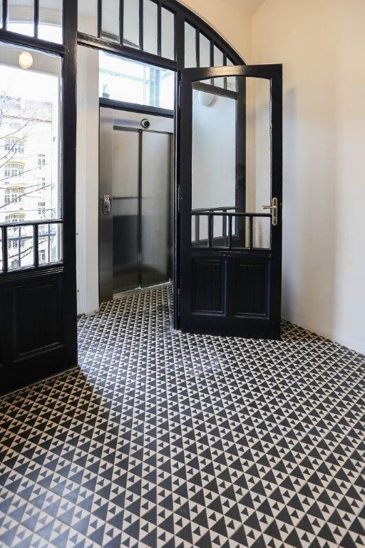 Fotogalerie bytových jednotek :: Historická dlažba