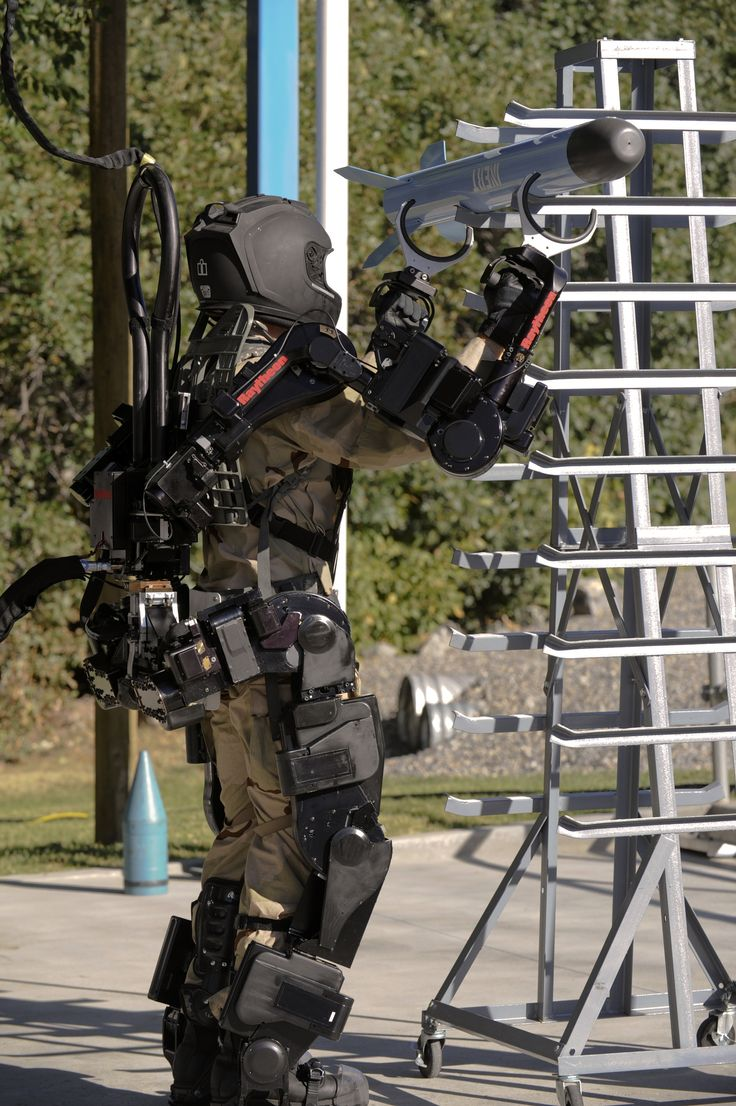 High Power Military Robotic Exoskeleton  [Exoskeleton: http://futuristicnews.com/tag/exoskeleton/]