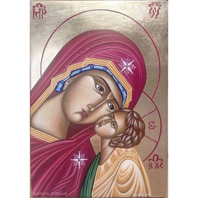 🎨 • ° • ° #VirginMary #icon #orthodoxicon #iconography #SaintMary #StMary #MadredeDios #Jesus #JesusChrist #Madonnaandchild #painting #art #freehand #artistic #religious #chistianity #christian #artdaily #dailyart #ig_artistry #handmade #artisanal #atelier #artistry #byzantine #byzantineicon