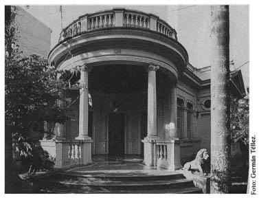 Casa Quinta en el Barrio Granada de Cali. http://aplicaciones.virtual.unal.edu.co/blogs/hacolombia?s=Luis+Gutierrez+De+La+Hoz