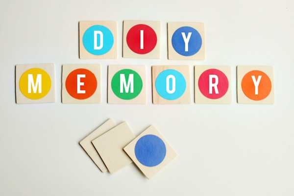 DIY Memory Game found at Hellobee...the possibilities for this simple game are endless!