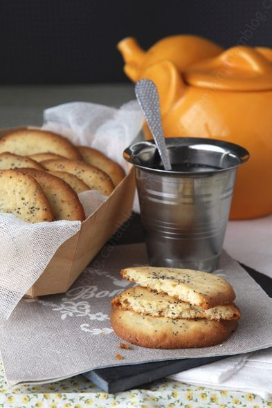 Délicieux sablés au citron et graines de pavot! ... avec un thé? ... relax..