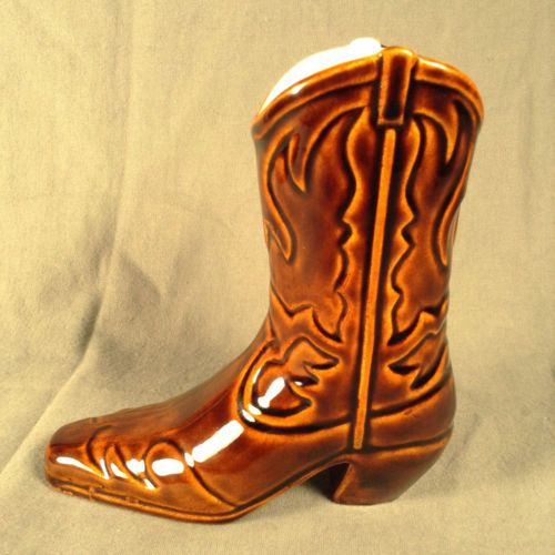 Daga-Hawaii-Brown-White-Cowboy-Boot-Mug-No-Name-Tiki-Souvenir-Pottery