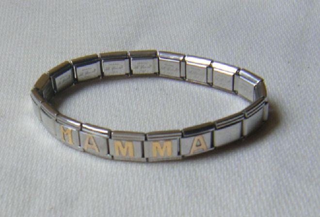 bracciale con acciaio e oro,100 % made in italy, con la scritta ,,,mamma,,,
