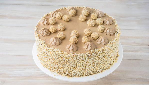 GiOTTO-Haselnuss-Torte - Luftiger Haselnussteig mit feiner Nougatsahne und GiOTTO-Kugeln