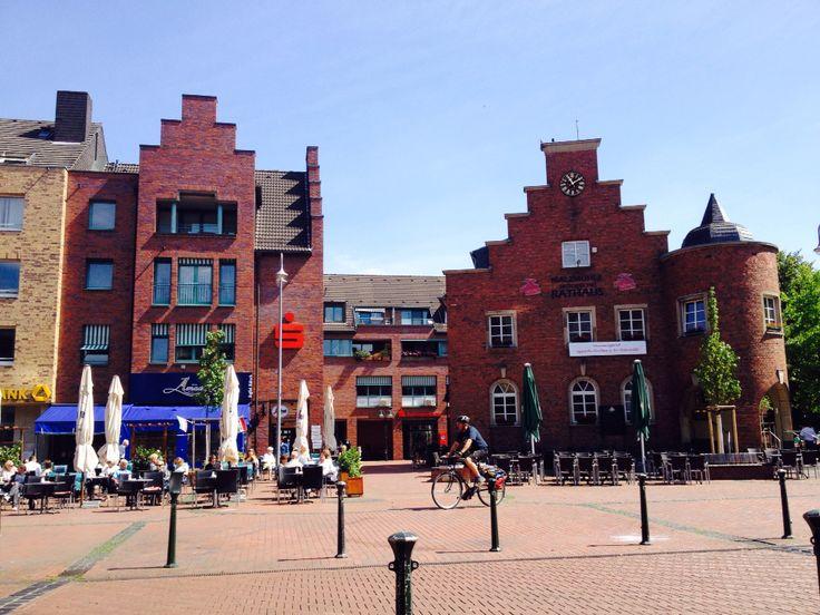 #Pulheim Marktplatz mit Altem Rathaus