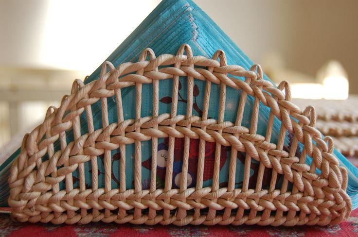 Držák na ubrousky Držák na ubrousky z kukuřičného šustí, rozměry: 18,5 x 9,5 x 5,5 cm