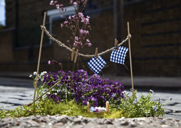 Pothole urban gardening with a twist.. By Steve Wheen for Milan Design Week http://restreet.altervista.org/steve-wheen-ripara-le-buche-stradali-con-mini-giardini/
