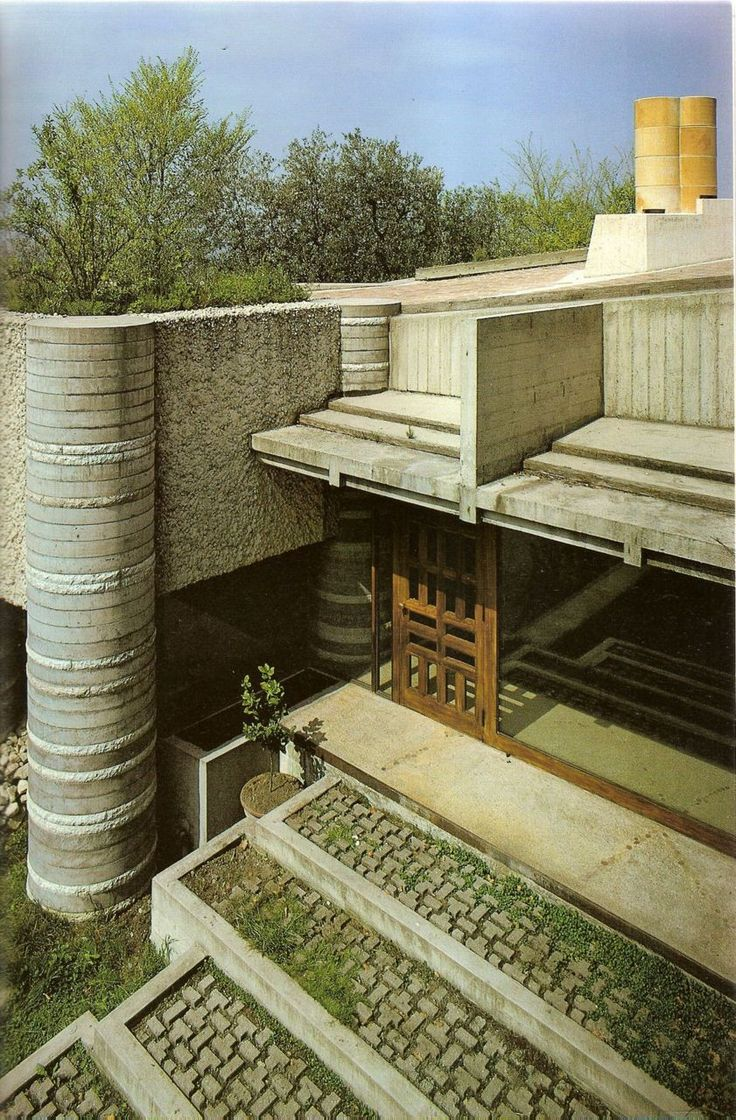 myarchitecturelife:    I can't even describe how much I love Carlo Scarpa. Something about the organic but studied use of geometry, material juxtapositions and the detail and texture of his work. This photo pretty much explains it. ainfantek:    Carlo Scarpa