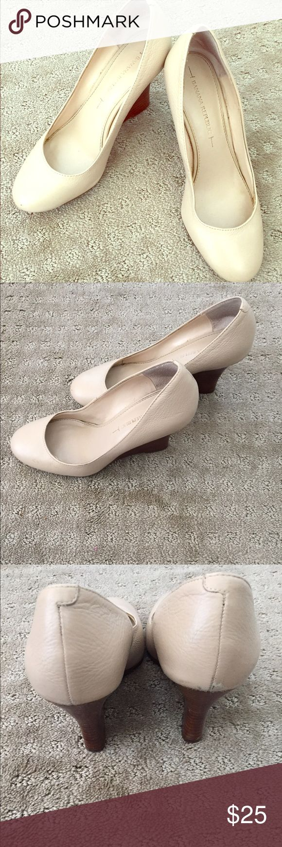 Banana Republic cream wedges Banana republic cream wedges. Wooden wedge. In good condition. Banana Republic Shoes Wedges