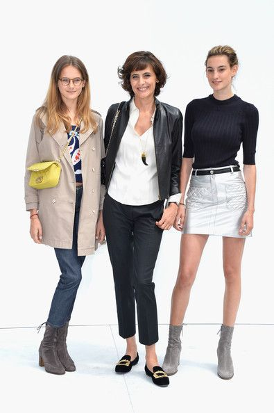 Nine d'Urso and Violette d'Urso Photos Photos - Ines De La Fressange (C) and her daughters Violette d'Urso (L) and Nine d'Urso (R) attend the Chanel show as part of Paris Fashion Week - Haute Couture Fall/Winter 2014-2015 at Grand Palais on July 8, 2014 in Paris, France. - Front Row at Chanel