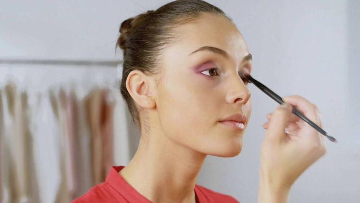 Глаза с эффектом омбре и матовые губы