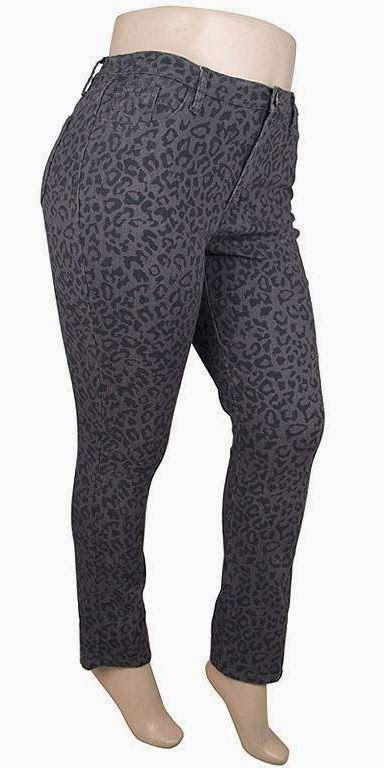 Jeans léopard gris Disponible en tailles 14-16-18-20-22 Prix: 52$  Grey cheetah jeans Available in sizes 14-16-18-20-22 Price: 52$