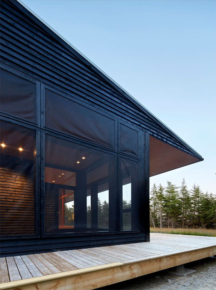 Tucked Away from Wind and Waves in Nova Scotia - http://freshome.com/eco-friendly-beach-house-in-nova-scotia/