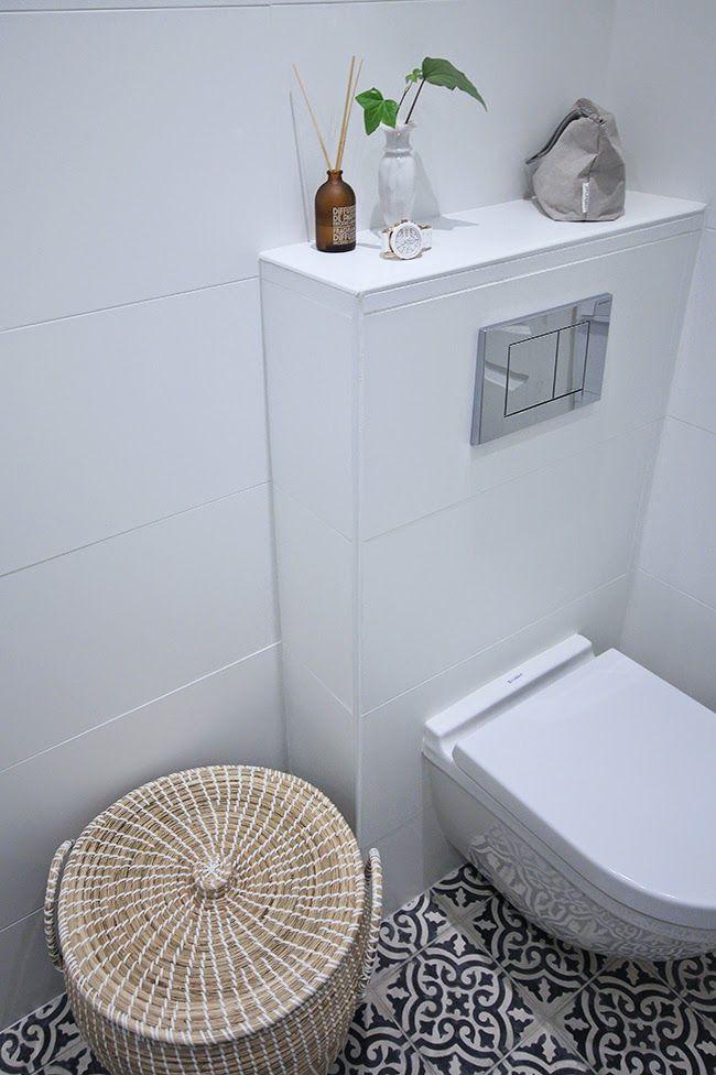White toilet with moroccan tiles // Marrakech Design Voltaire