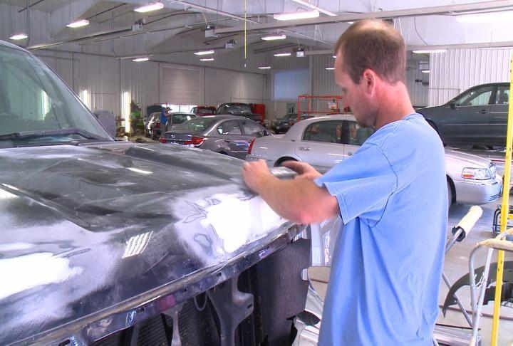Mechanic Shops Near Me >> 25+ best ideas about Automobile Repair Shop on Pinterest | Auto repair near me, Car repair ...