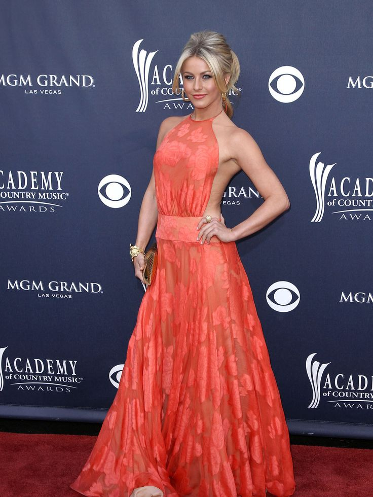 Goal This Summer Julianne Hough S Body Amp Overall Look