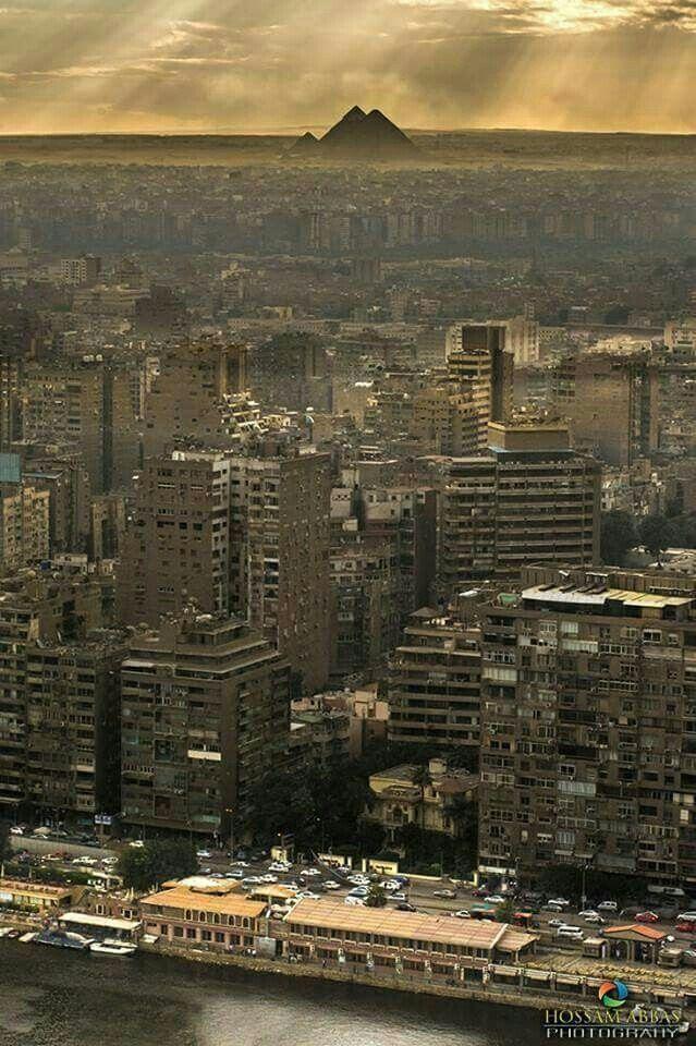 Paz🐝 Hueso Luque In Fotosand 1 more hive 55 min  El Rio Nilo, la ciudad del El Cairo y las Piràmides. Sublime fotografía de Hossam Abbas.-- beBee for Android #BeBee #Egypt